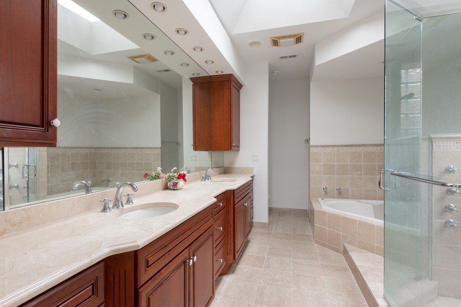Real Estate Photography - 3702 N Bell, Chicago, IL, 60618 - Master Bathroom
