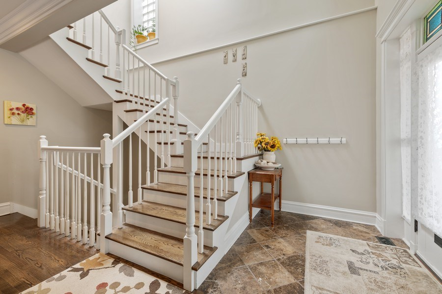 Real Estate Photography - 3702 N Bell, Chicago, IL, 60618 - Entryway