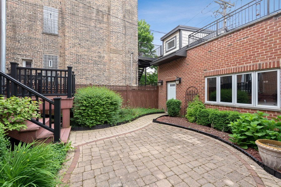 Real Estate Photography - 3702 N Bell, Chicago, IL, 60618 - Patio