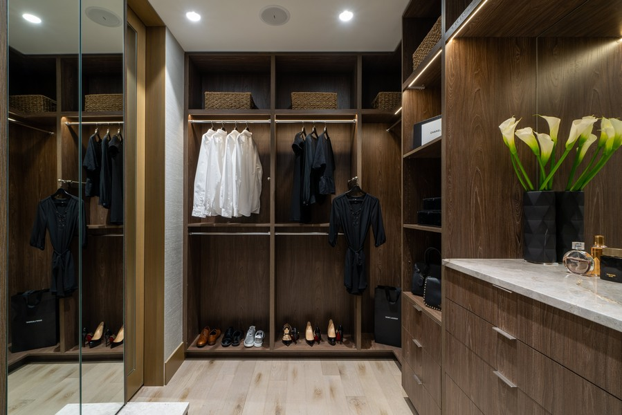 Real Estate Photography - 1140 N Wells, PH, Chicago, IL, 60610 - Dressing Room