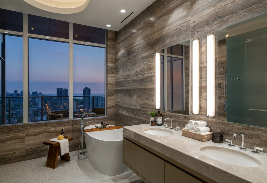 Real Estate Photography - 1140 N Wells, PH, Chicago, IL, 60610 - Master Ensuite