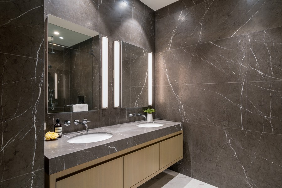 Real Estate Photography - 1140 N Wells, PH, Chicago, IL, 60610 - Ensuite