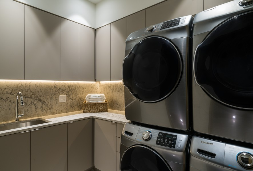 Real Estate Photography - 1140 N Wells, PH, Chicago, IL, 60610 - Laundry