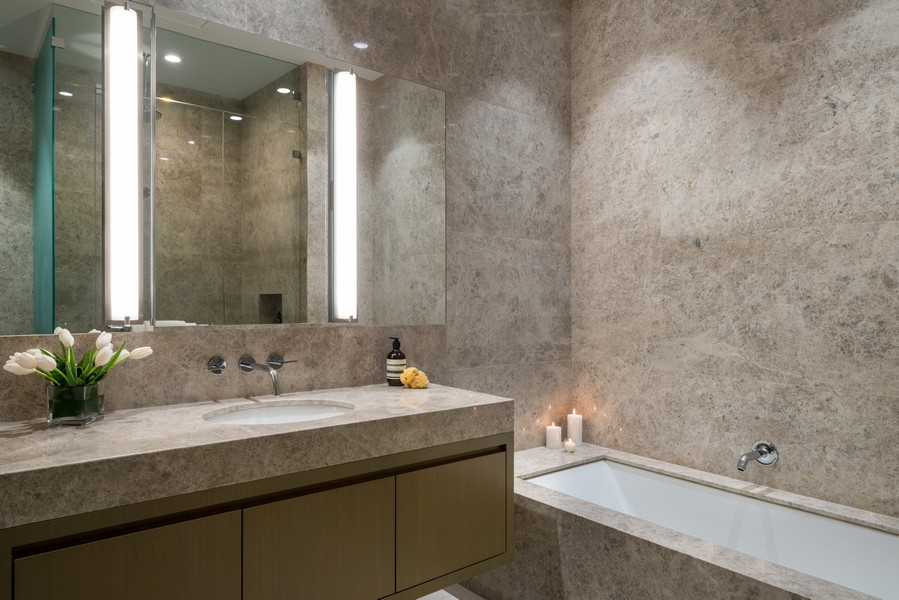 Real Estate Photography - 1140 N Wells, PH, Chicago, IL, 60610 - Full Bathroom