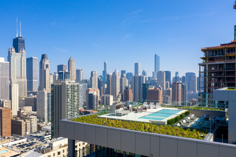 Real Estate Photography - 1140 N Wells, PH, Chicago, IL, 60610 - Private Roof Top Deck