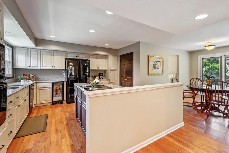 Real Estate Photography - 23443 Mallard Court, Deer Park, IL, 60010 - Kitchen / Breakfast Room