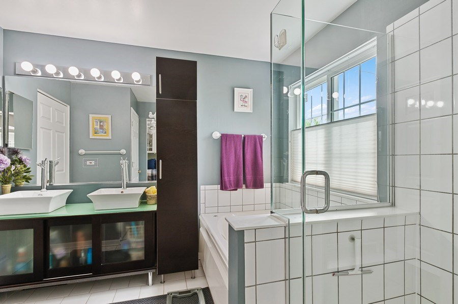 Real Estate Photography - 1140 Hillside Ave, Antioch, IL, 60002 - Master Bathroom