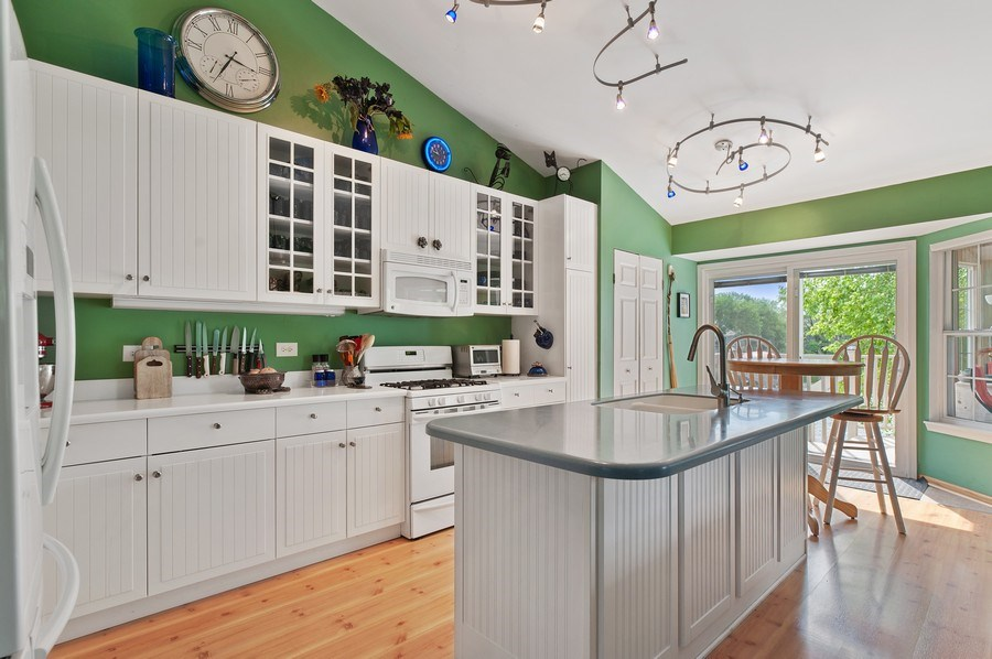 Real Estate Photography - 1140 Hillside Ave, Antioch, IL, 60002 - Kitchen