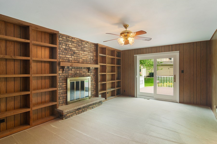 Real Estate Photography - 990 Commonwealth Ct, Barrington, IL, 60010 - Family Room