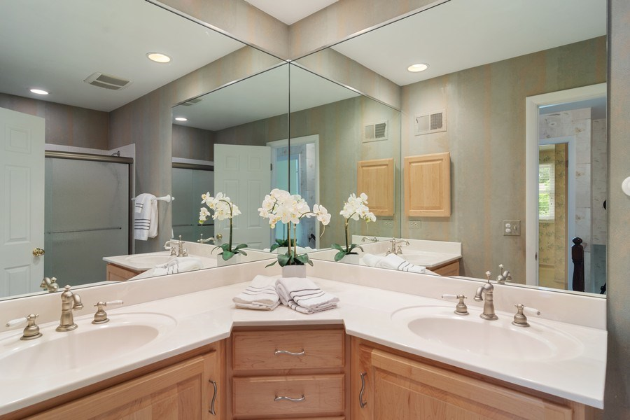 Real Estate Photography - 990 Commonwealth Ct, Barrington, IL, 60010 - Bathroom
