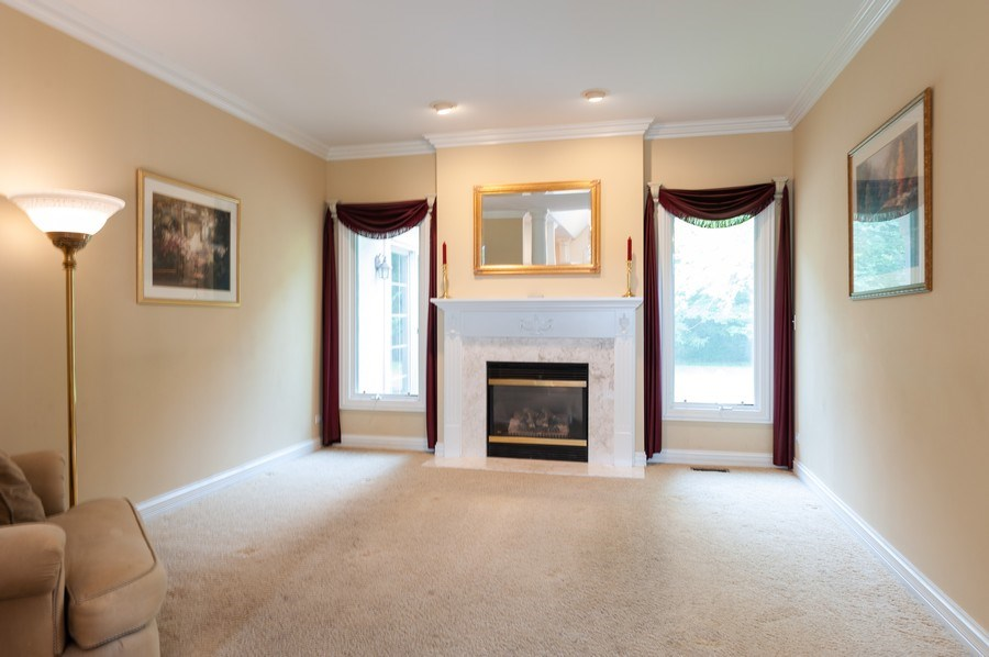 Real Estate Photography - 2520 Emerald Ln, Lindenhurst, IL, 60046 - Living Room