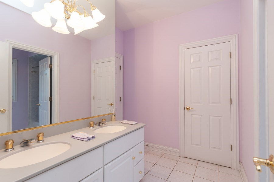 Real Estate Photography - 2520 Emerald Ln, Lindenhurst, IL, 60046 - Bathroom