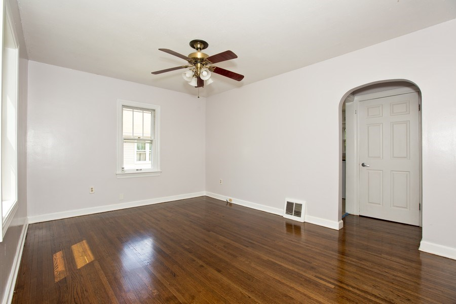 Real Estate Photography - 317 Shakespeare St, Wilmington, IL, 60481 - Living Room