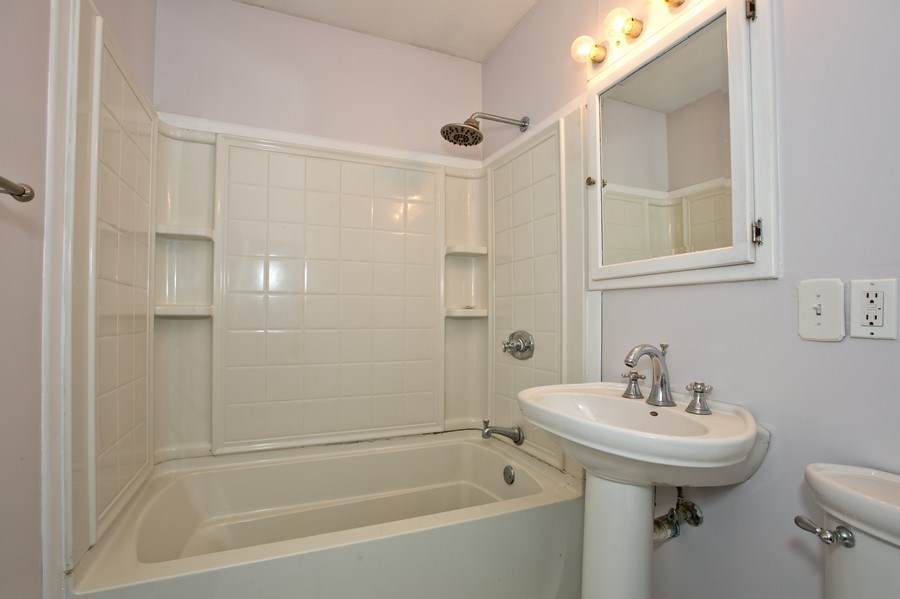 Real Estate Photography - 317 Shakespeare St, Wilmington, IL, 60481 - Bathroom