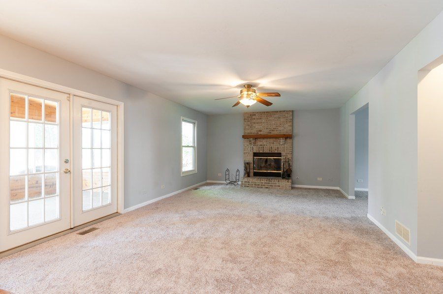 Real Estate Photography - 711 Wood Creek Court, Island Lake, IL, 60042 - Family Room