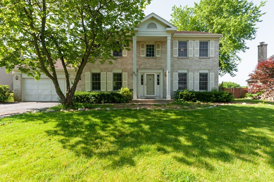 Real Estate Photography - 711 Wood Creek Court, Island Lake, IL, 60042 - Front View
