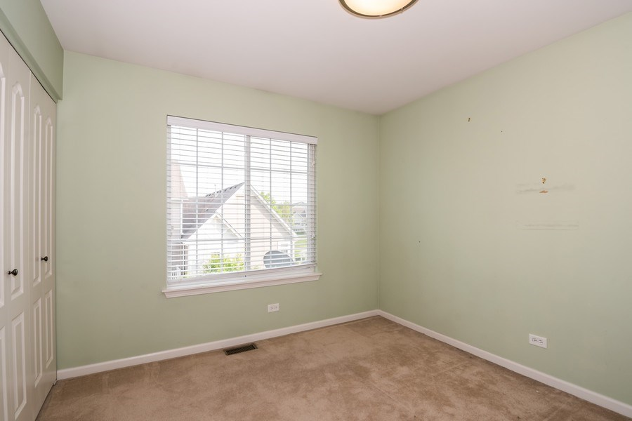 Real Estate Photography - 192 Sype Dr #192, Carol Stream, IL, 60188 - 2nd Bedroom