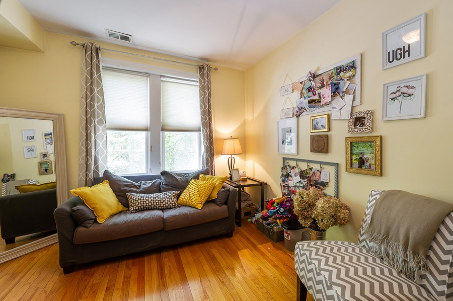 Real Estate Photography - 2238 W Roscoe Street, 2, Chicago, IL, 60618 - 2nd Bedroom