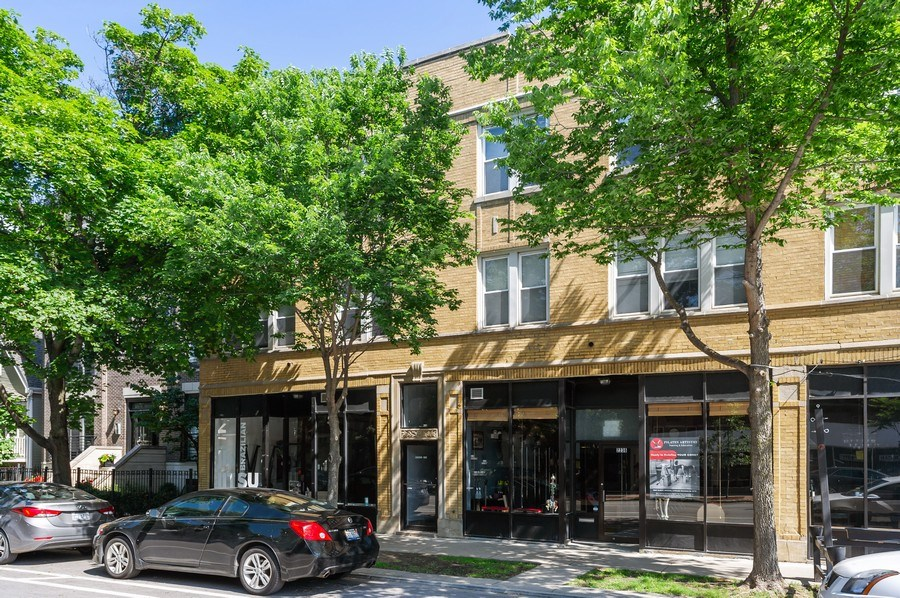Real Estate Photography - 2238 W Roscoe Street, 2, Chicago, IL, 60618 - Front View