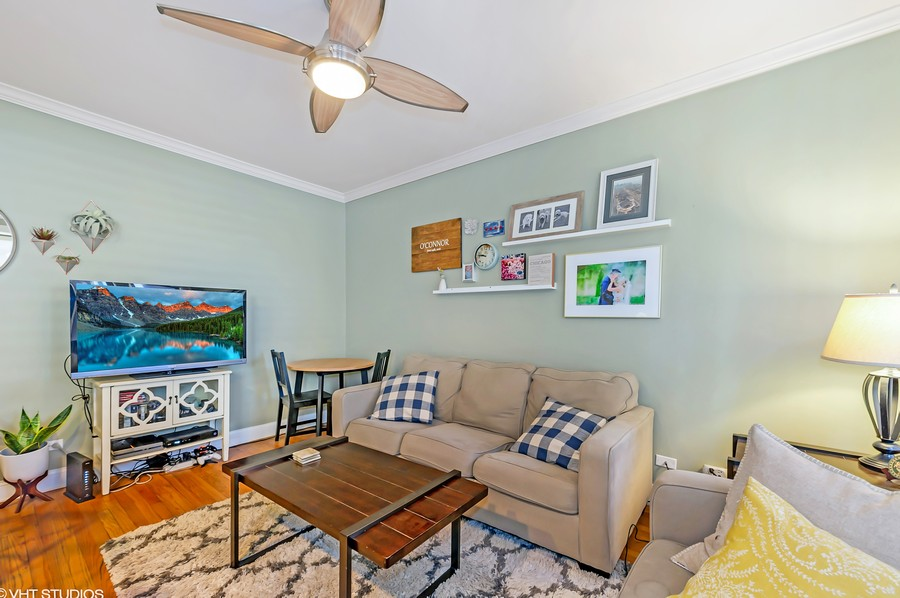 Real Estate Photography - 2238 W Roscoe Street, 2, Chicago, IL, 60618 -