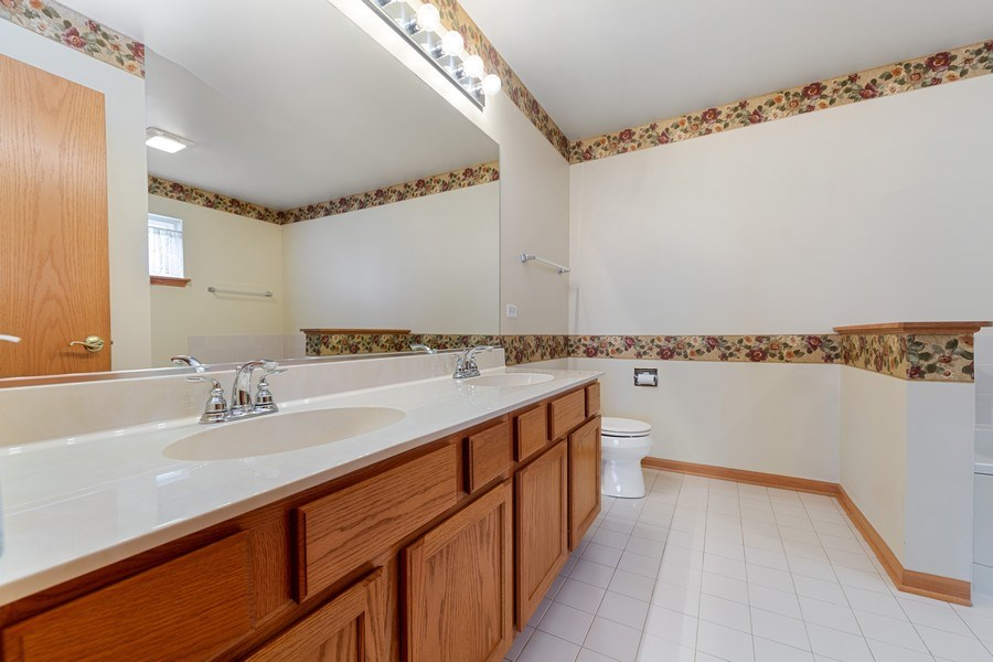 Real Estate Photography - 21323 W Redwood Dr, Plainfield, IL, 60544 - Master Bathroom