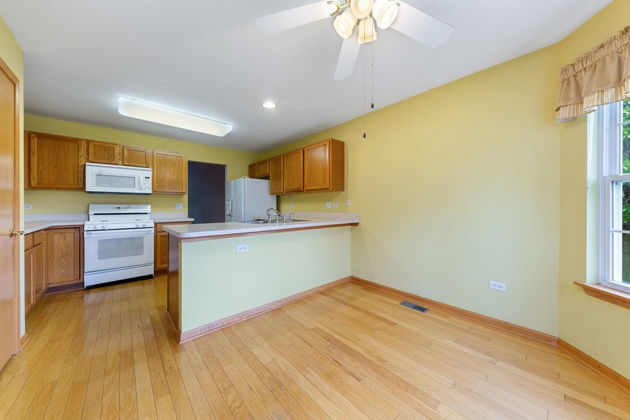 Real Estate Photography - 21323 W Redwood Dr, Plainfield, IL, 60544 - Breakfast Area