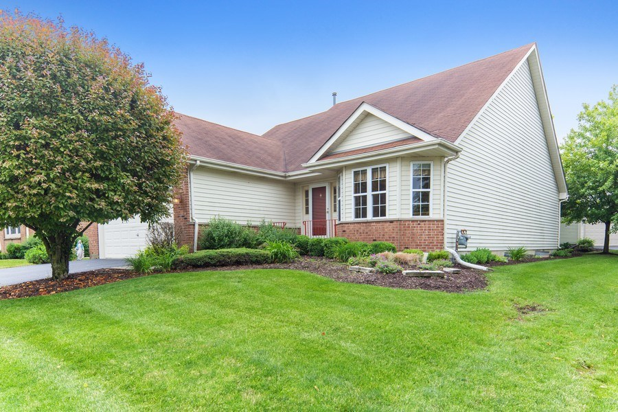 Real Estate Photography - 21323 W Redwood Dr, Plainfield, IL, 60544 - Front View