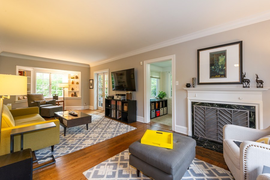 Real Estate Photography - 2341 Lincolnwood, Evanston, IL, 60201 - Living Room