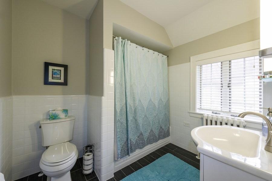 Real Estate Photography - 2341 Lincolnwood, Evanston, IL, 60201 - Master Bathroom