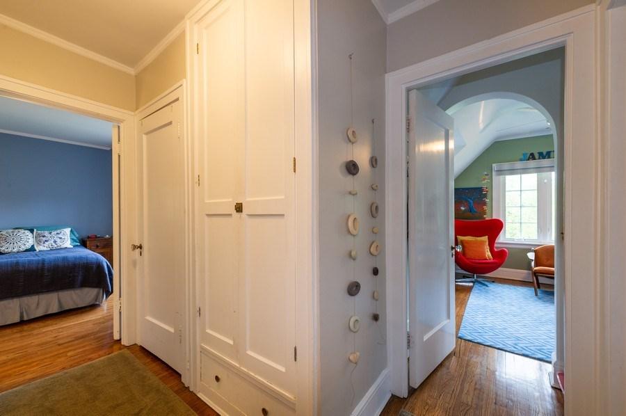 Real Estate Photography - 2341 Lincolnwood, Evanston, IL, 60201 - Hallway