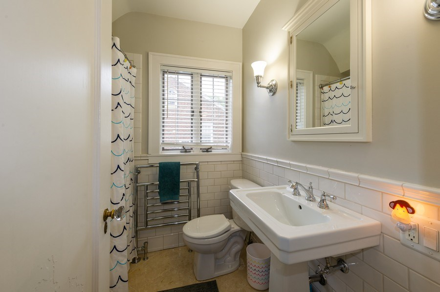 Real Estate Photography - 2341 Lincolnwood, Evanston, IL, 60201 - 2nd Bathroom