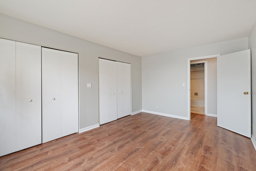 Real Estate Photography - 3033 N Sheridan Rd, Unit 810, Chicago, IL, 60657 - Bedroom