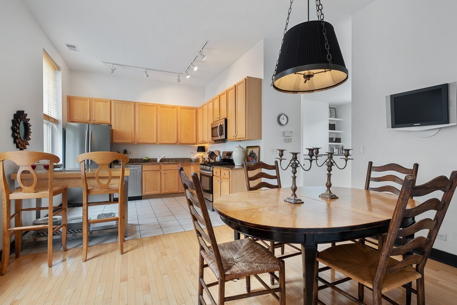 Real Estate Photography - 165 Whistler, Highland Park, IL, 60035 - Breakfast Area