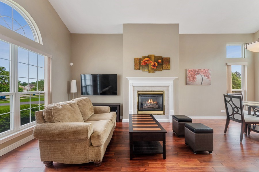 Real Estate Photography - 331 Sundance Drive, Bartlett, IL, 60103 - Living Room