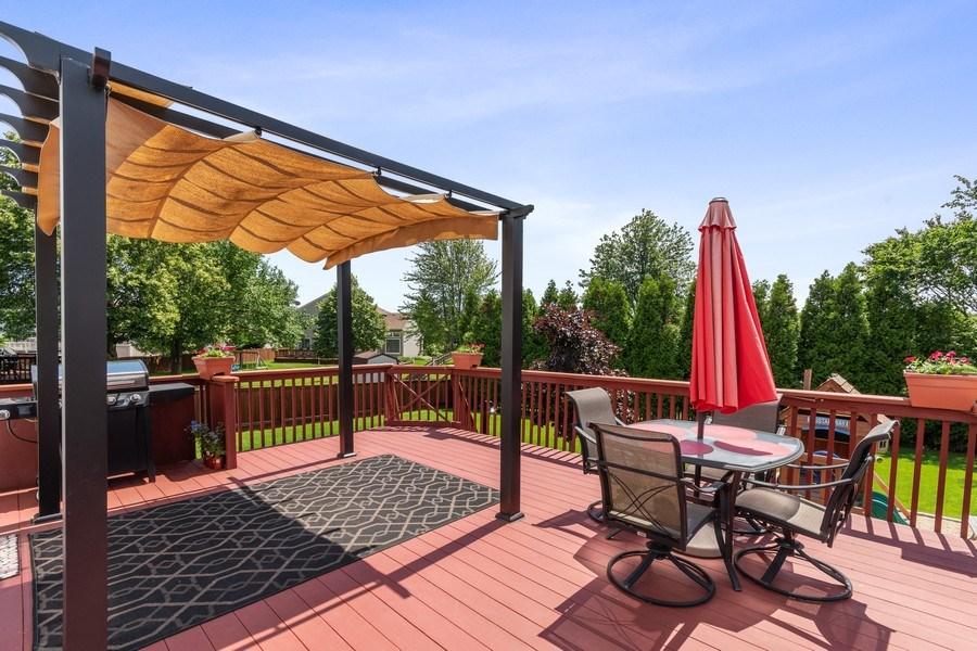 Real Estate Photography - 331 Sundance Drive, Bartlett, IL, 60103 - Back Yard