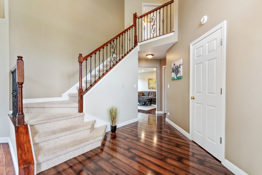 Real Estate Photography - 331 Sundance Drive, Bartlett, IL, 60103 - Foyer