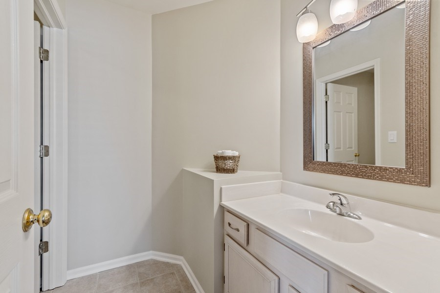 Real Estate Photography - 331 Sundance Drive, Bartlett, IL, 60103 - 2nd Bathroom