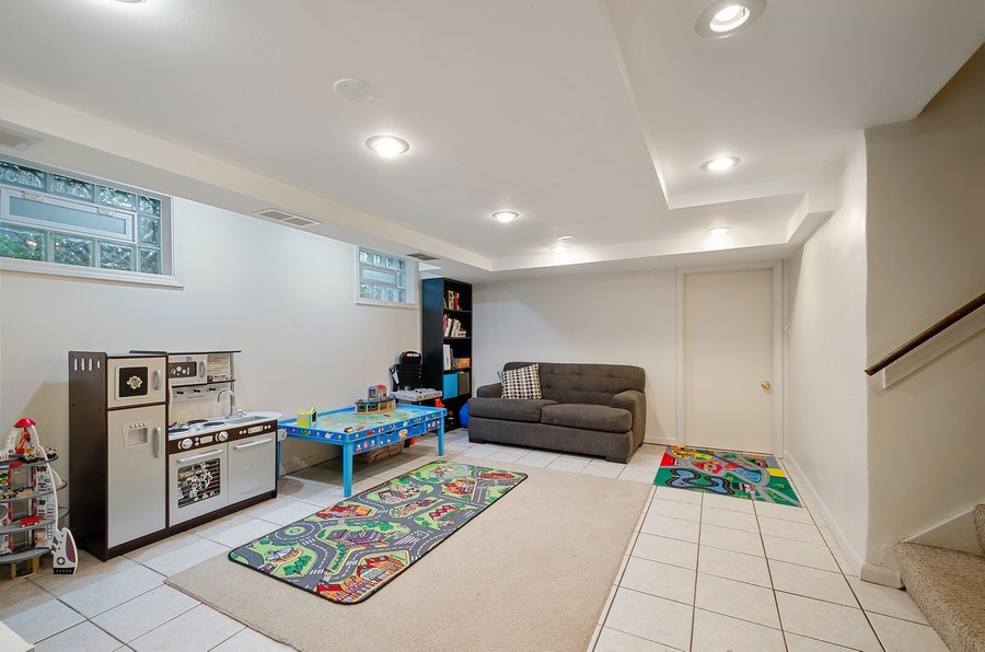 Real Estate Photography - 2417 Thayer Street, Evanston, IL, 60201 - Recreational Room