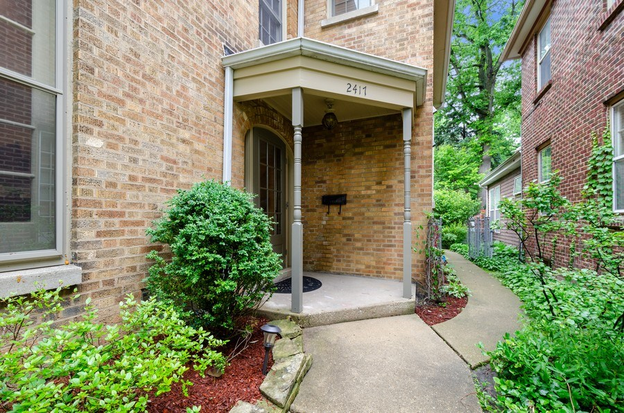 Real Estate Photography - 2417 Thayer Street, Evanston, IL, 60201 - Front View