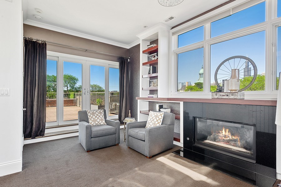 Real Estate Photography - 1412 W. Lexington, Chicago, IL, 60607 - Library