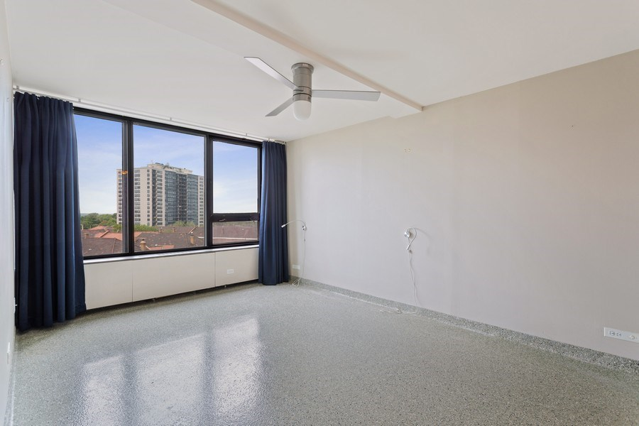 Real Estate Photography - 3930 Pine Grove, #907, Chicago, IL, 60613 - Master Bedroom