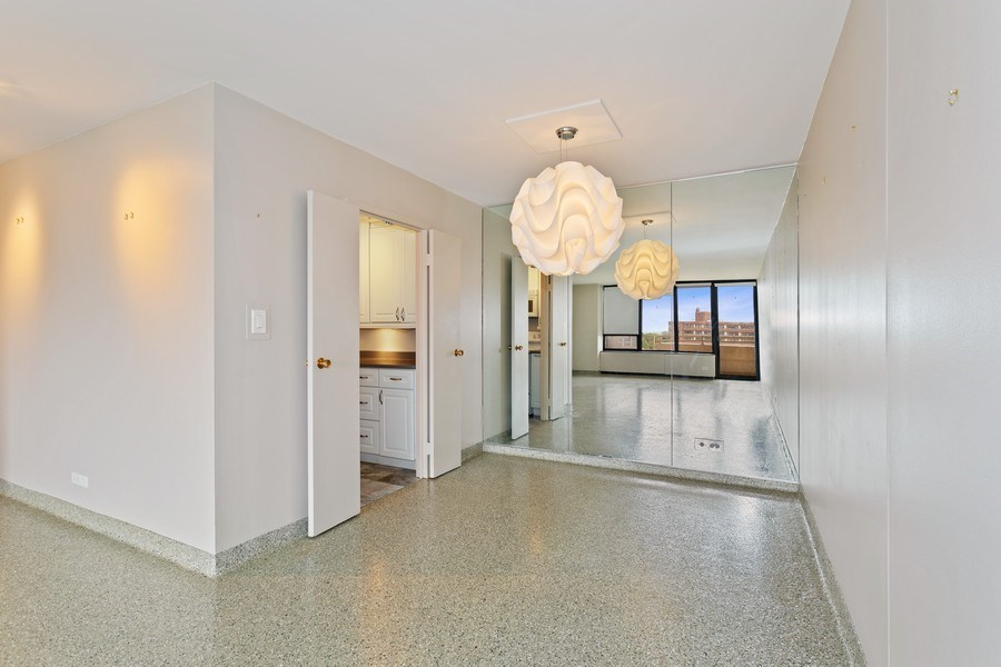 Real Estate Photography - 3930 Pine Grove, #907, Chicago, IL, 60613 - Dining Room