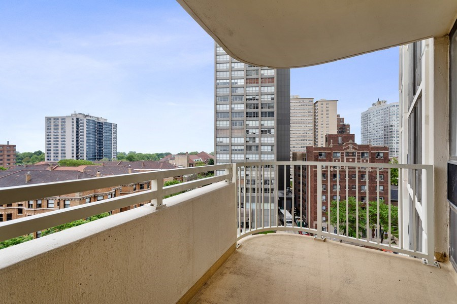 Real Estate Photography - 3930 Pine Grove, #907, Chicago, IL, 60613 - Balcony