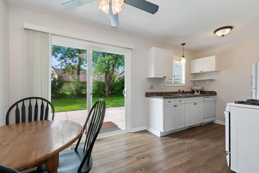 Real Estate Photography - 3120 Fox Hill Road, Aurora, IL, 60504 - Kitchen