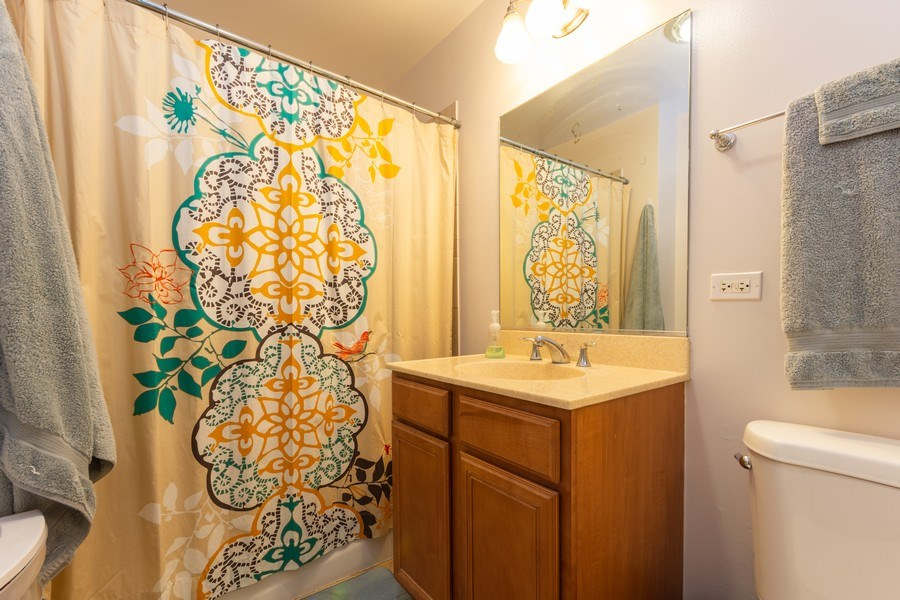 Real Estate Photography - 600 W Russell, Barrington, IL, 60010 - Master Bathroom