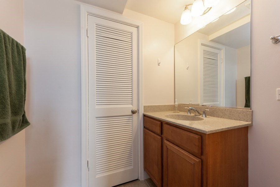 Real Estate Photography - 600 W Russell, Barrington, IL, 60010 - Powder Room
