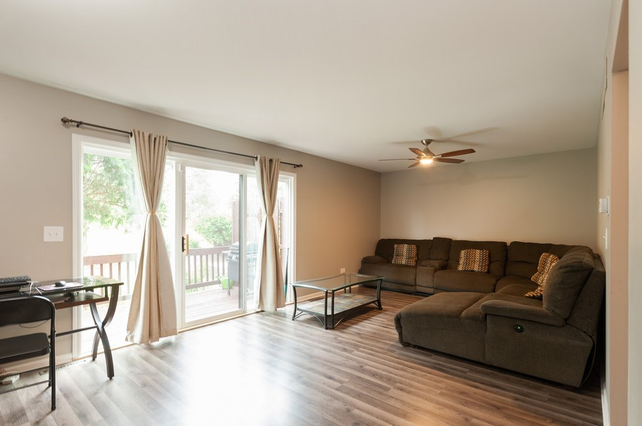 Real Estate Photography - 891 Catherine Ct, Grayslake, IL, 60030 - Living Room