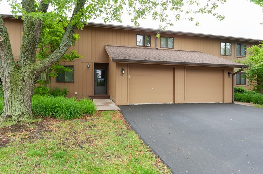 Real Estate Photography - 891 Catherine Ct, Grayslake, IL, 60030 - Front View