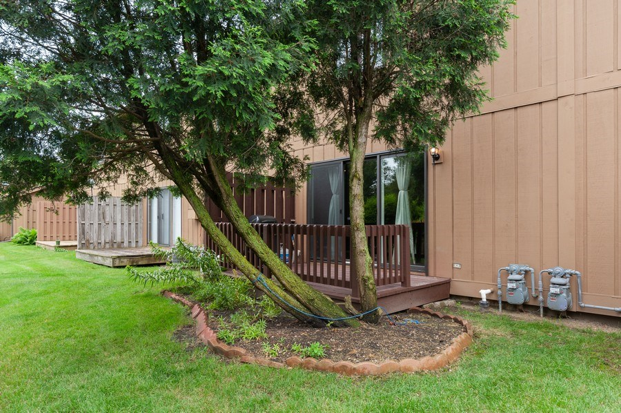 Real Estate Photography - 891 Catherine Ct, Grayslake, IL, 60030 - Deck