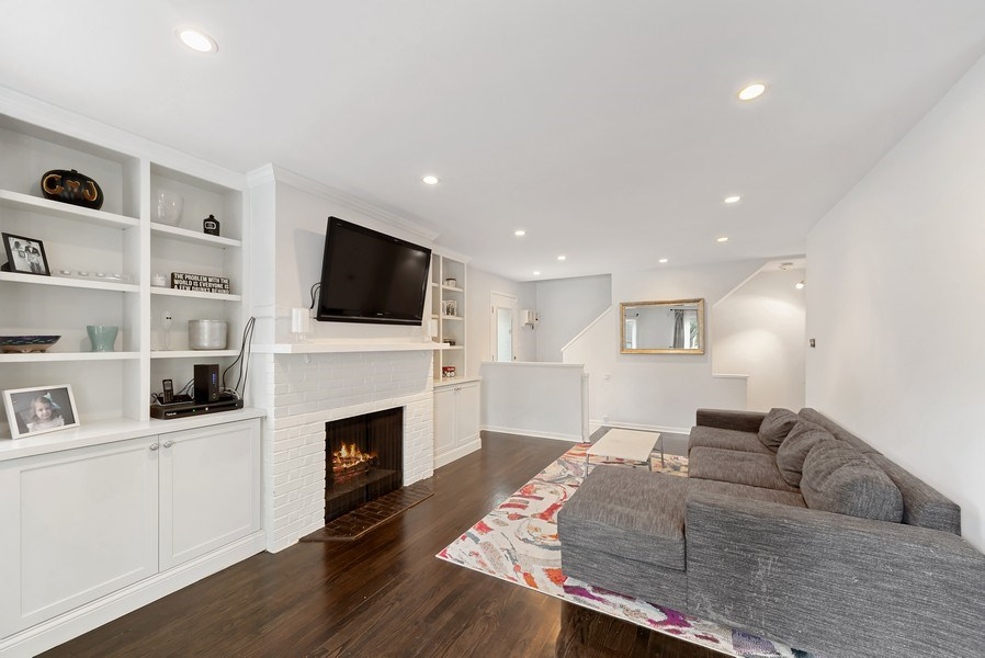 Real Estate Photography - 1649 N. Vine, Chicago, IL, 60614 - Living Room